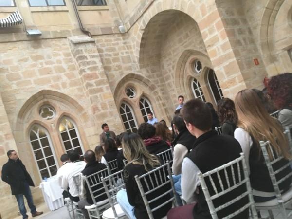 Formación del servicio en sala en Monasterio del Espino